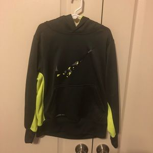 Boys Nike Therma-fit Hoodie size small